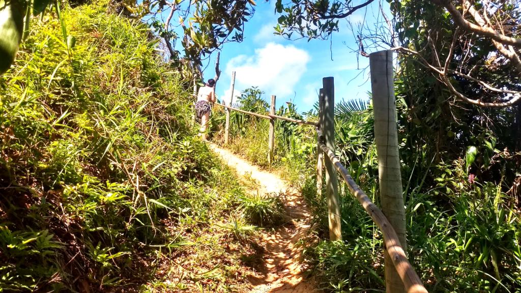 trilha-entre-havaizinho-e-itacarezinho